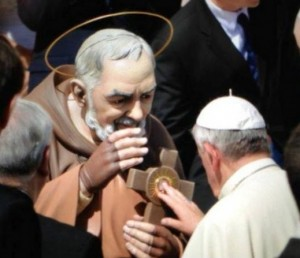 18 sept 2013 benediction statue de Padre Pio