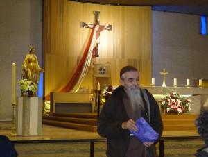 BR-Padre Carlo Secretaire General des Groupe de prières